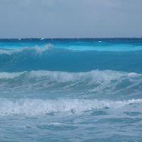 волны на карибском море
