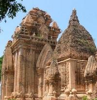 пагода в нячанге