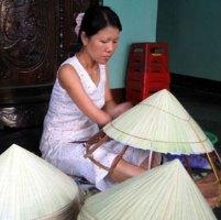 шляпа из пальмовых листьев