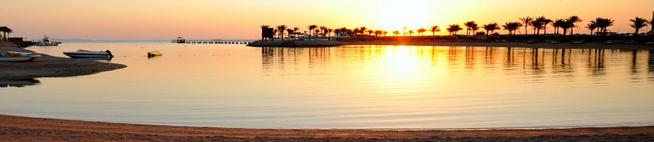 закат на пляже в отеле